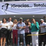 El alcalde Alejandro Char corta la cinta protocolaria de inauguración de la obra.