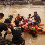 Se eleva a 60 el número de muertos en Indonesia por inundaciones