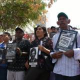 Familiares de líderes sociales y defensores de derechos humanos.