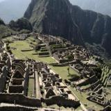 Perú sumará cámaras de vigilancia en Machu Picchu tras daños de turistas
