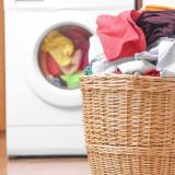 Estudio asegura que la ropa también contamina el mar tras su paso por la lavadora