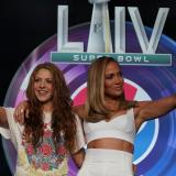 Shakira y Jennifer López en la rueda de prensa.