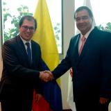 Francisco Barbosa y Fabio Espitia durante la primera reunión de empalme en la Fiscalía.