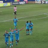 El argentino Pablo Bueno festejando su diana.