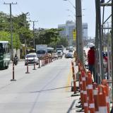 El contraflujo de vehículos fue habilitado ayer a la altura de la Vía 40 entre calles 79 y 80.