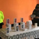 Incautan 26 celulares de alta gama de contrabando
