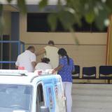 Dos pacientes llegaron a la sede del hospital mental en una de las ambulancias que tiene el Cari.