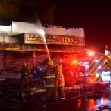 Bomberos controlan incendio en almacén del centro de Barranquilla