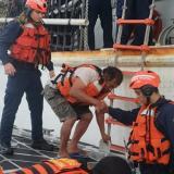 Rescatan cuatro pescadores que estaban perdidos en el Caribe tras zarpar de la Alta Guajira