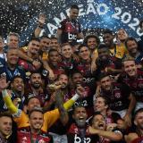 Los jugadores del Flamengo celebrando la conquista de la Recopa.