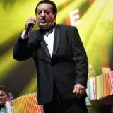 Jorge Oñate en el concierto Sinfonía Vallenata.