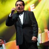 Jorge Oñate durante su presentación en el concierto en Movistar Arena en Bogotá.