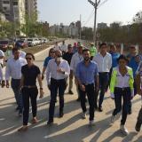 El alcalde Pumarejo y directivos de Argos recorren la vía recién entregada.