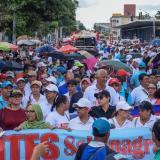 Las marchas de los docentes, como las registradas en esta fotografía, quedaron suspendidas.