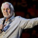 Murió Kenny Rogers, icono de la música country