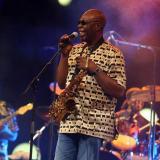 El músico de jazz camerunés Manu Dibango muere por el coronavirus en Francia