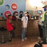 Santa Marta extrema controles en hostales para verificar estado de extranjeros
