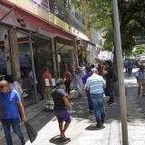 Personas en el centro de Barranquilla, semanas antes de que entrara en vigencia el aislamiento obligatorio.