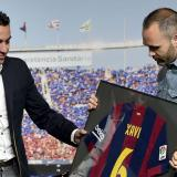 """Iniesta cree que el retorno de Xavi al Barcelona sería una """"gran noticia"""""""