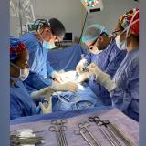 Imagen de uno de los trasplante realizados por el equipo de la Clínica de la Costa y el grupo de nefrología de Unisión.
