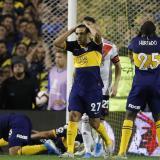 Acción de un juego entre Boca Juniors y River Plate.