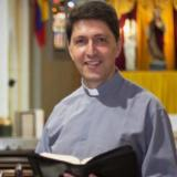 Vaticano suspende a sacerdote colombiano por denuncias de abuso sexual