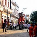 Réplica de la Santa Cruz recorre las calles de Sucre-Sucre en su día