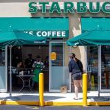 Starbucks reabrirá el 85% de sus locales en Estados Unidos
