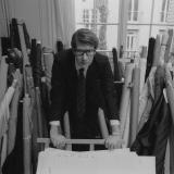 El modisto Yves Saint Laurent.