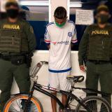 Hieren con arma blanca a adolescente para robarle la bicicleta