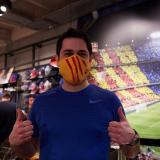 Así son las mascarillas que puso a la venta el Barcelona de España.
