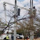 Electricaribe instaló reguladores para la mejora del servicio en Uribia