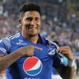 El delantero costarricense José Ortiz celebrando un gol con Millonarios.