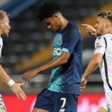 Luis Díaz lamentando el segundo gol del Famalicao anotado por Pedro Goncalves.