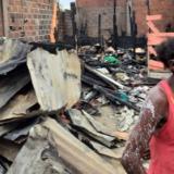 Una de las 11 damnificadas del incendio en el sector Francisco de Paula II del barrio Nelsin Mandela de Cartagena,