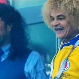 René Higuita y Carlos 'el Pibe' Valderrama, dos legendarias figuras del fútbol colombiano y mundial.