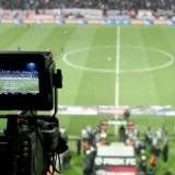Solo 4 televisiones sin derechos podrán entrar a los estadios.