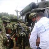 Las autoridades durante las labores de rescate.