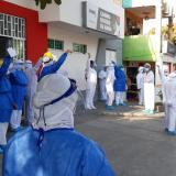 En video | Plantón en clínicas y hospitales de Barranquilla para rechazar amenazas al médico Buelvas