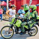 Policía hace controles al cumplimiento del decreto.