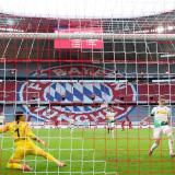 Acción del gol de Leon Goretzka que significó la victoria 2-1 del Bayern Munich ante el Borussia Mönchengladbach.