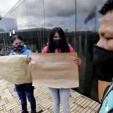 Indígenas colombianos rechazan con plantón violación de una niña por soldados