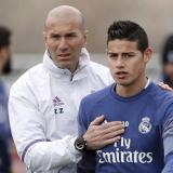 Zidane junto al colombiano James Rodríguez en un entrenamiento del Real Madrid.