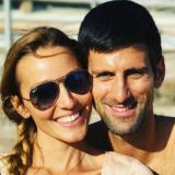 Djokovi junto a su esposa Jelena.