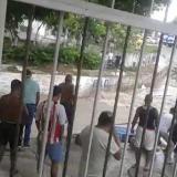 Arroyo El Salao arrastra un vehículo con tres personas