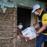 Una de las beneficiadas con la entrega de ayuda humanitaria en el norte de Bolívar.