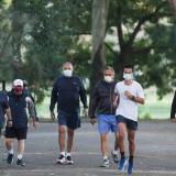 Sao Paulo reabre parques y gimnasios con señales de estabilización de COVID