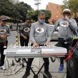 """La orquesta en la calle, la """"nueva normalidad"""" de los músicos en Colombia"""