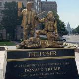 Instalan estatuas vivientes en Washington en protesta contra Trump