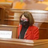 Oposición critica gasto en pandemia y exige renta básica